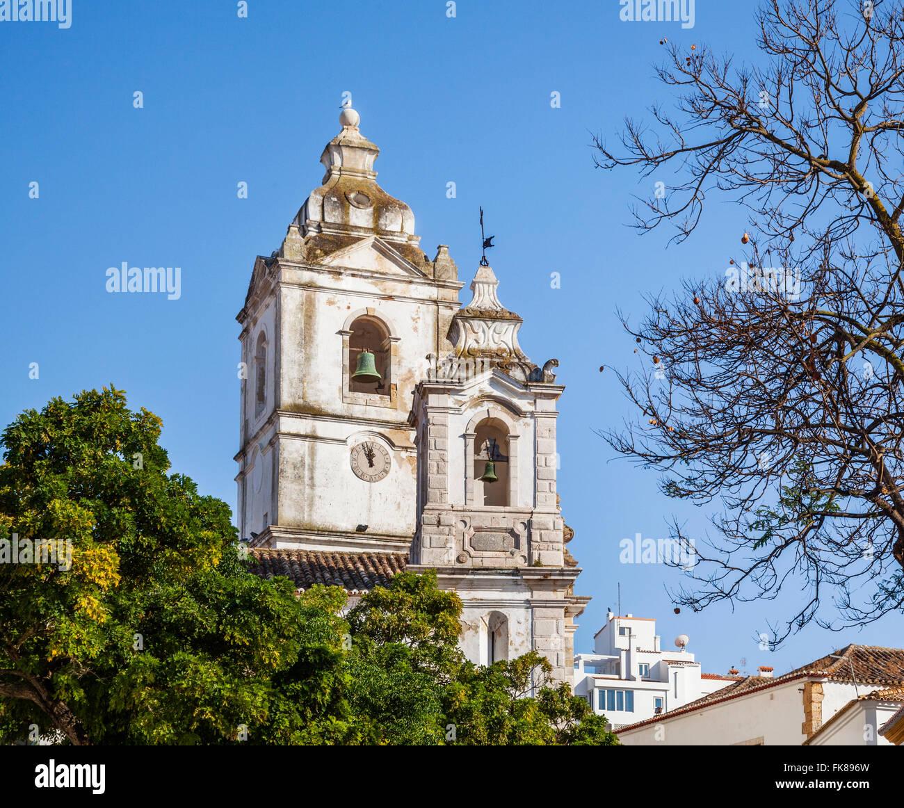 Portugal, Algarve, Lagos, Bell campanarios de iglesia de San Antonio en el centro histórico de Lagos Foto de stock