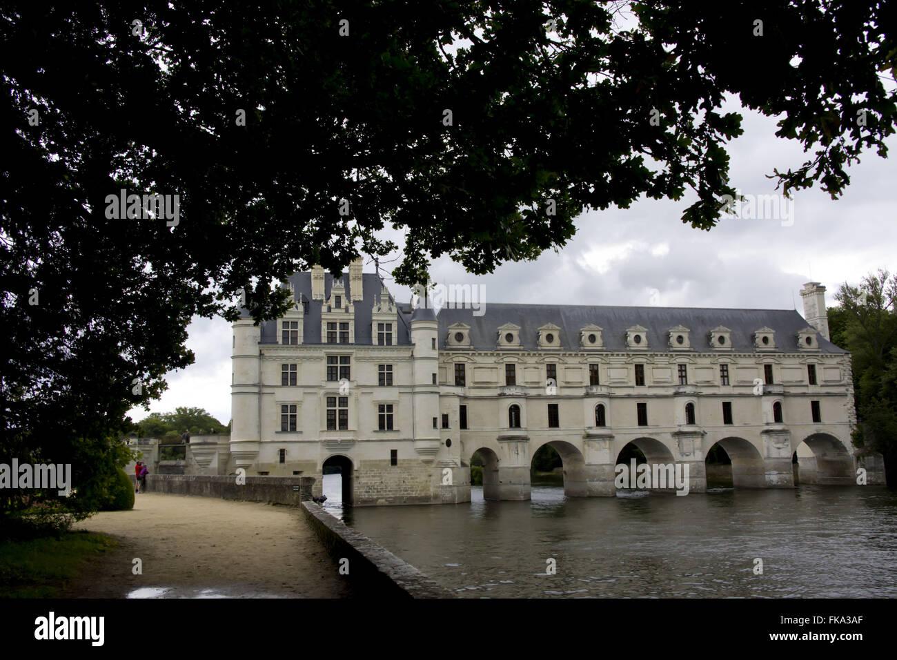 Château de Chenonceau sobre el río Cher - también conocido como el castillo de siete damas Imagen De Stock