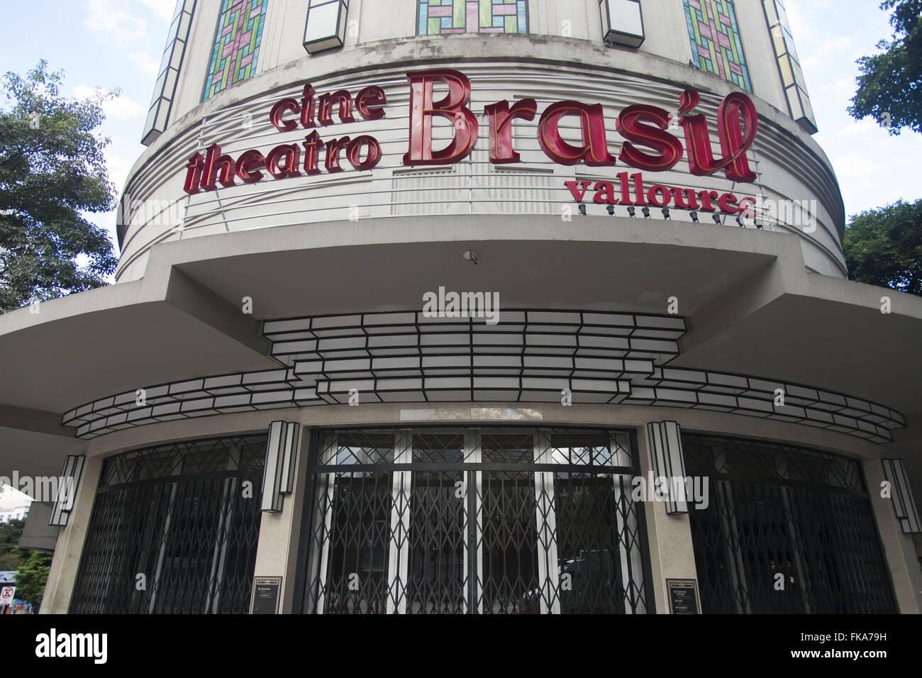 Cine Teatro Brasil Vallourec en la esquina de las avenidas Amazonas y Afonso Pena Imagen De Stock