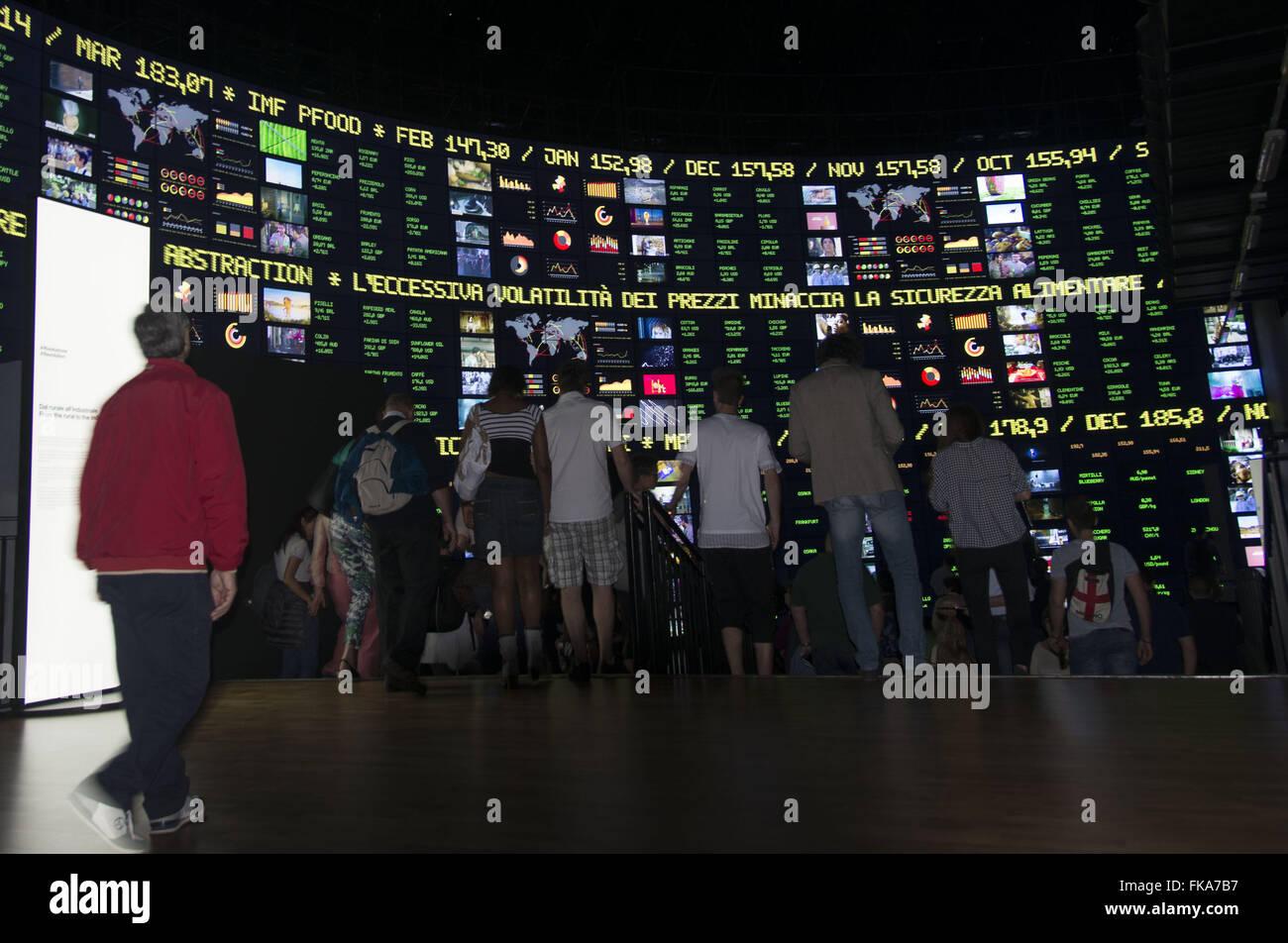 Pavilhão CERO DA ONU na Expo Milano 2015 - tema ¿evento Alimentar o Planeta Energia para una Vida Imagen De Stock