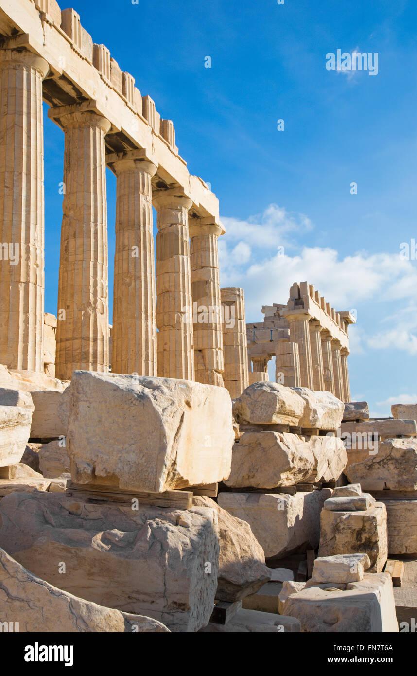 - La Acrópolis de Atenas y las piedras Imagen De Stock