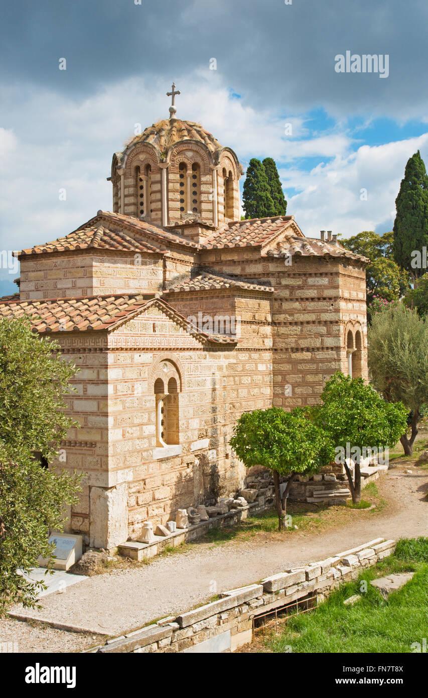 Atenas - La iglesia de Agioi Apostoloi bizantino en el Ágora. Imagen De Stock