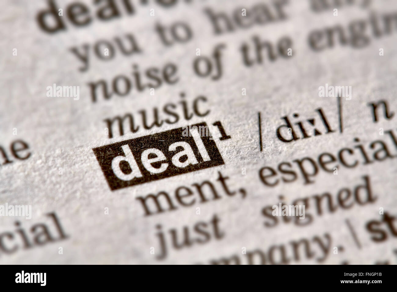 Tratar la palabra en el diccionario de texto Definición Página Imagen De Stock