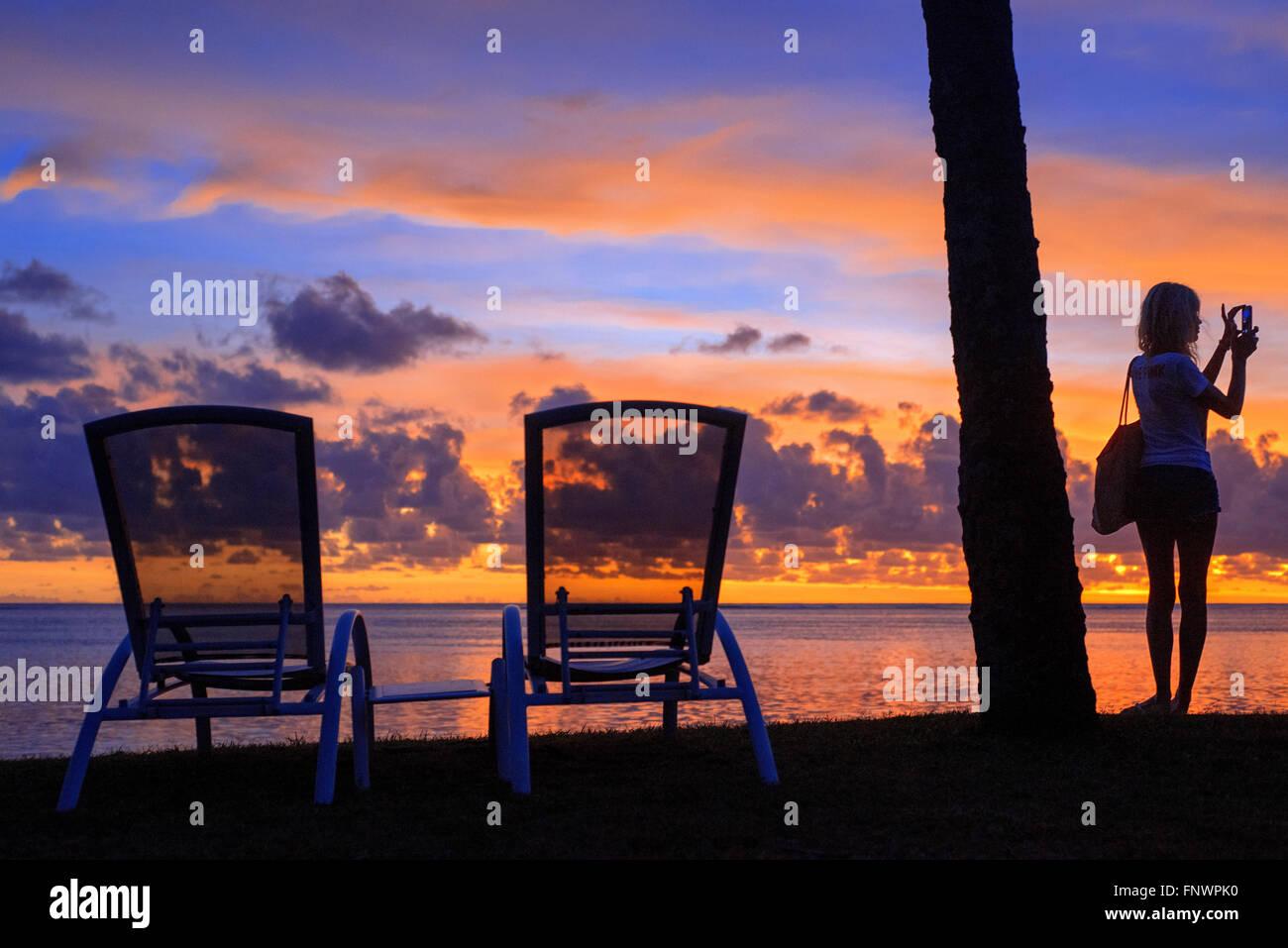 Atardecer en el Meridien Hotel en la isla de Tahití, Polinesia Francesa, Tahiti Nui, Islas Sociedad, Polinesia Francesa, Foto de stock