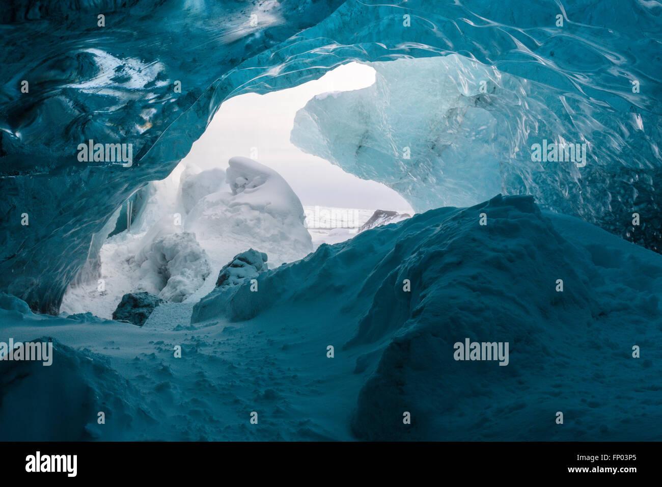 La cueva de hielo, Parque Nacional, el glaciar de Vatnajökull, Islandia Imagen De Stock
