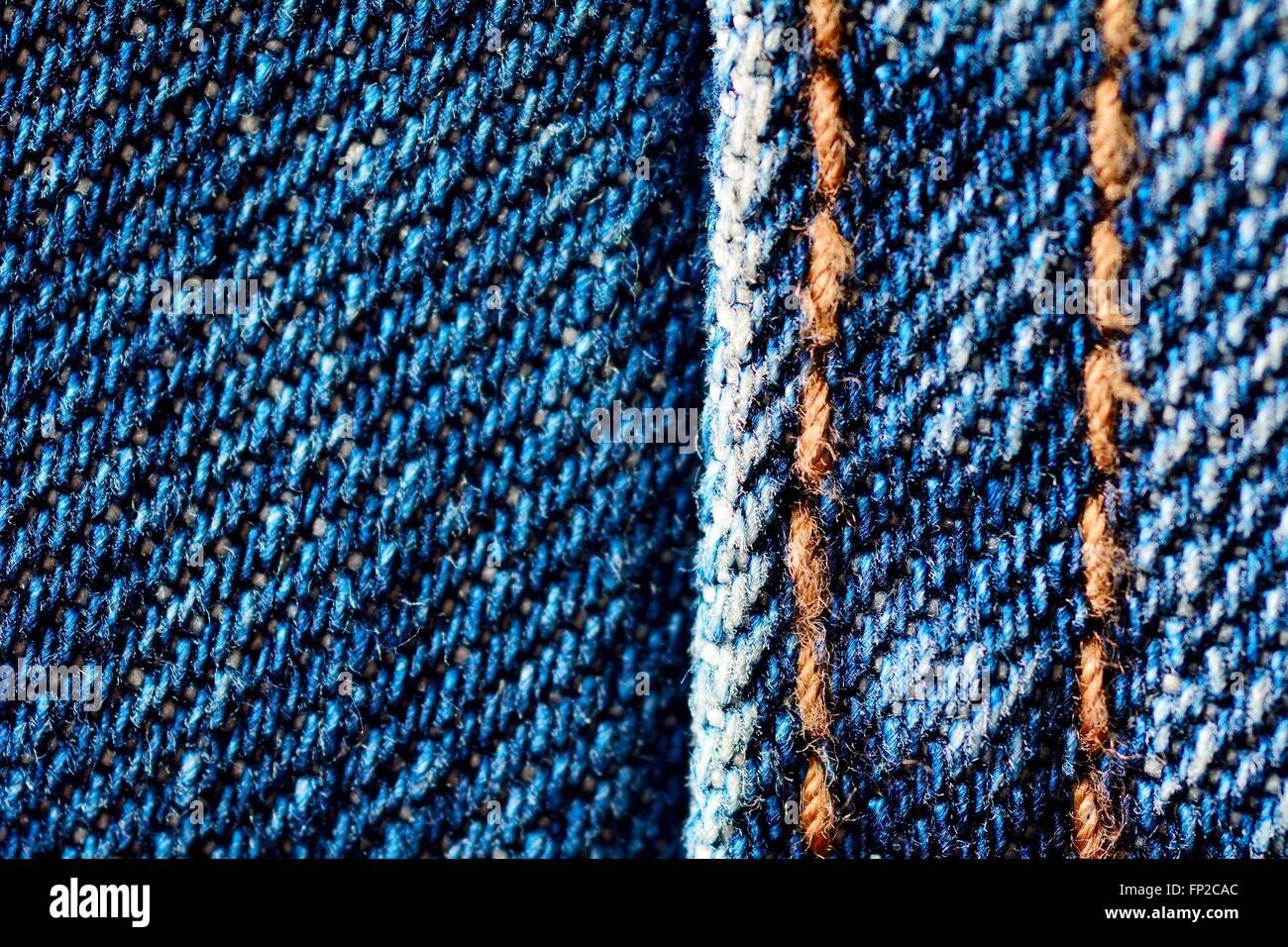 40cd69a89378a Blue jeans macro. Tejido Jeans textura. Costura en jeans Foto ...