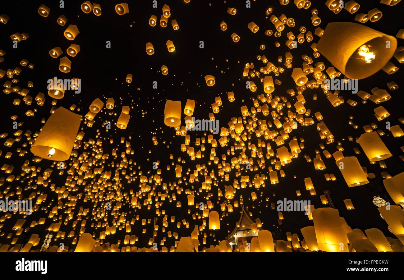 Loi Krathong Festival y Yi Peng, Chiang Mai, Tailandia Imagen De Stock