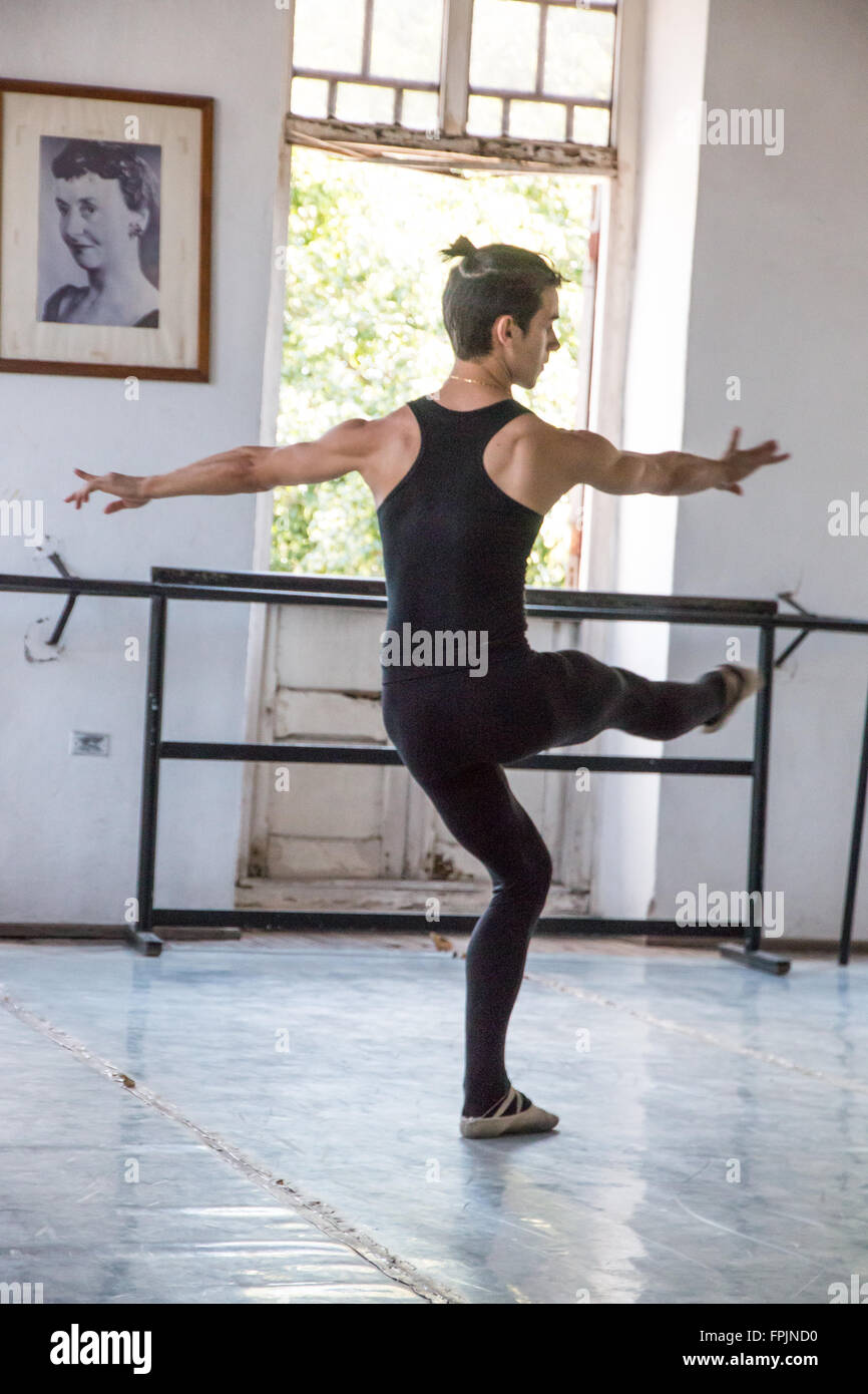 Cuba, La Habana. Centro Pro Danza, fundada por Laura Alonso en 1988, Cuba es uno de los principales centro de entrenamiento Imagen De Stock
