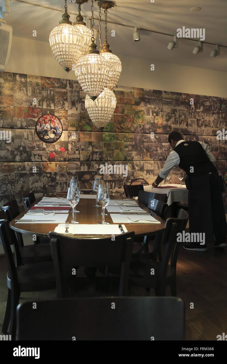 Comedor de Hiltl el mundo más antiguas continuamente abierto restaurante vegetariano. Zurich Suiza Foto de stock