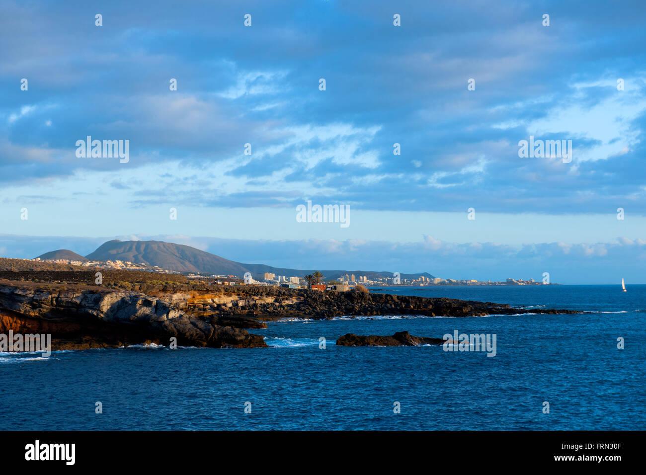 Spanien, Tenerife, Costa Adeje, Playa Paraíso, Blick nach Los Christianos Imagen De Stock