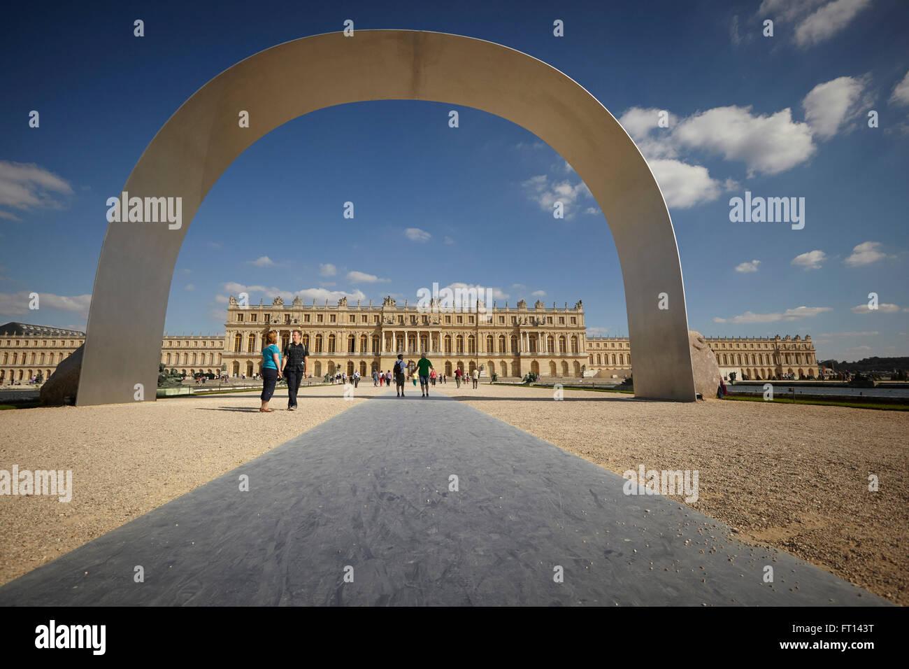 Arco, el Palacio de Versalles, Versalles, cerca de París, Francia Imagen De Stock