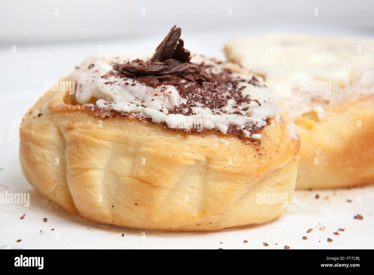 Cheesecake, diversos tipos de helados y postres para el menú del restaurante y cafeterías, una variedad Imagen De Stock