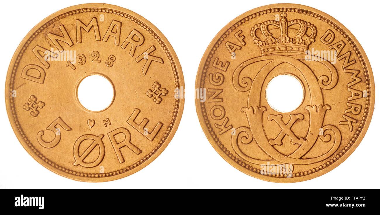 5 moneda de bronce 1928 mineral aislado sobre fondo blanco, Dinamarca Foto de stock