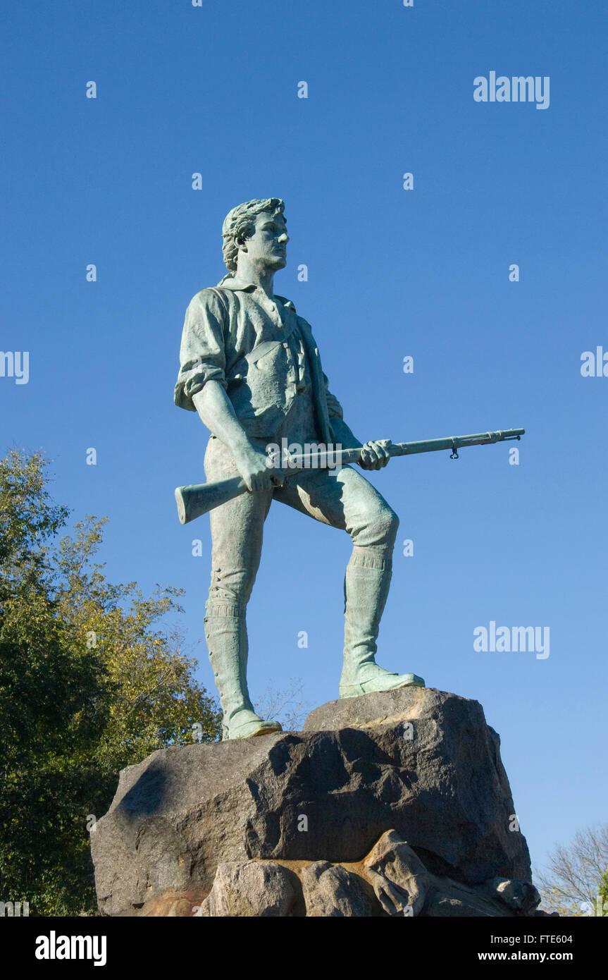 Estatua del capitán John Parker en la fuente conmemorativa de Hayes en Lexington, Massachusetts común por Henry Hudson Kitson Foto de stock