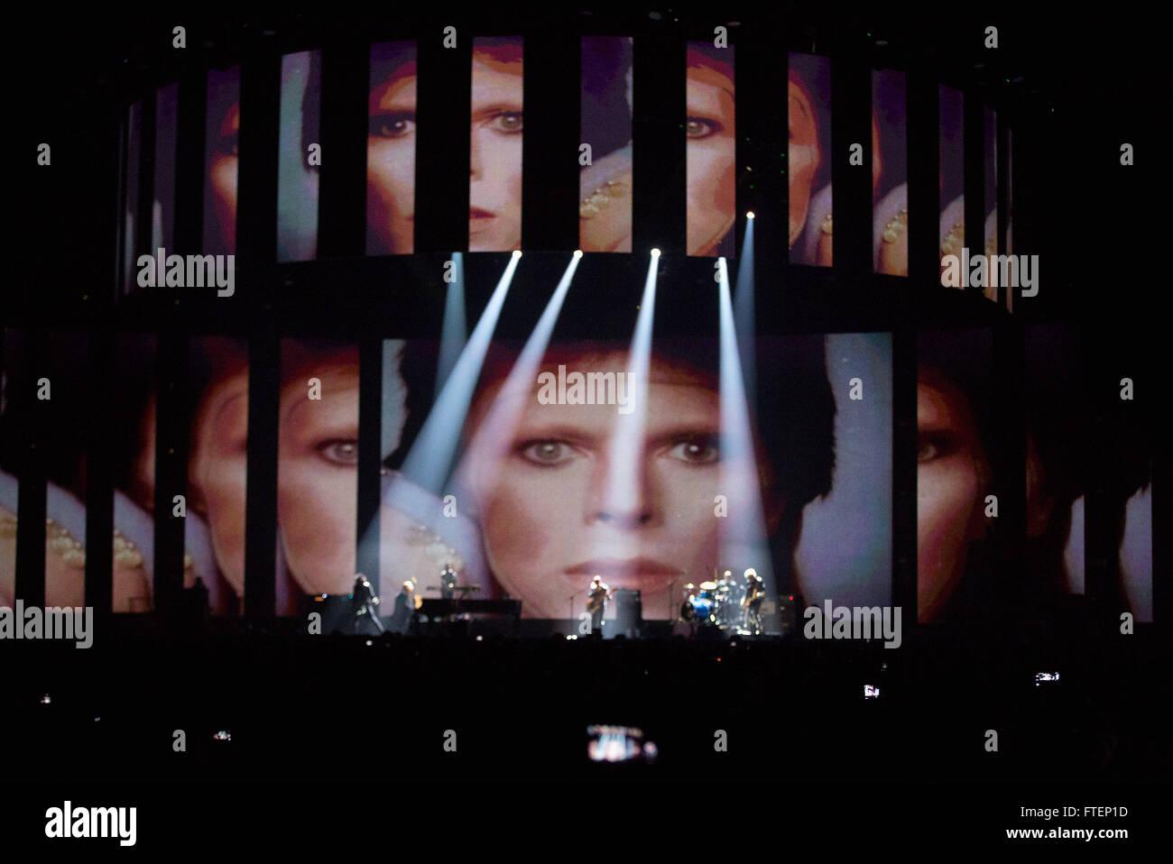 Brit Awards Show en el 02 Arena de Londres. Featuring: Lorde, Bowie homenaje donde: Londres, Reino Unido cuando: Imagen De Stock
