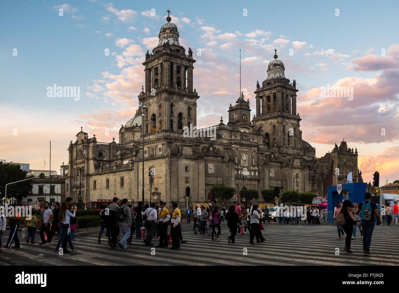 Catedral Metropolitana de la ciudad de México y el zócalo. Imagen De Stock