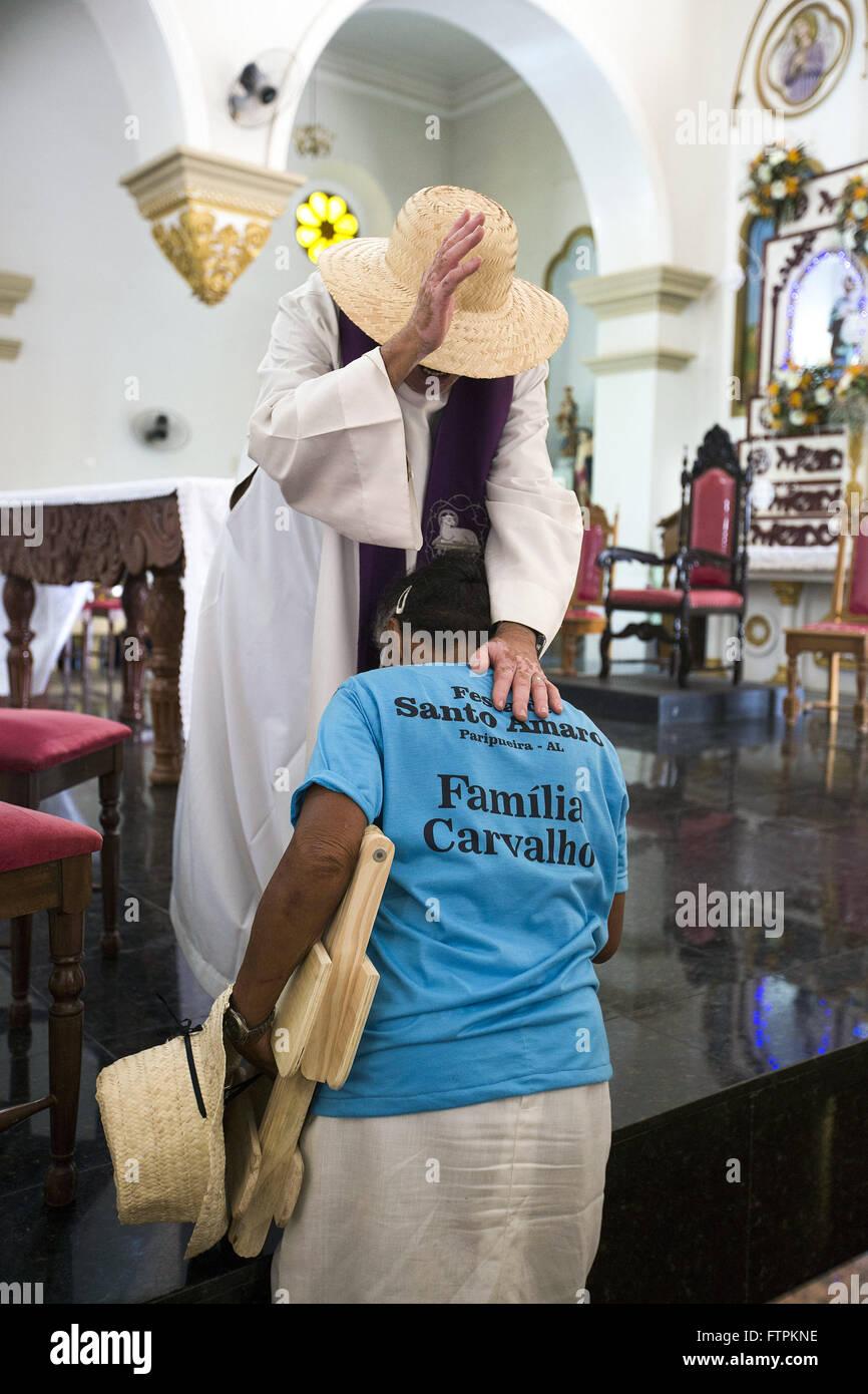 Detalle de la misa de despedida de los peregrinos en la Basílica Santuario de Nuestra Señora de los dolores Imagen De Stock