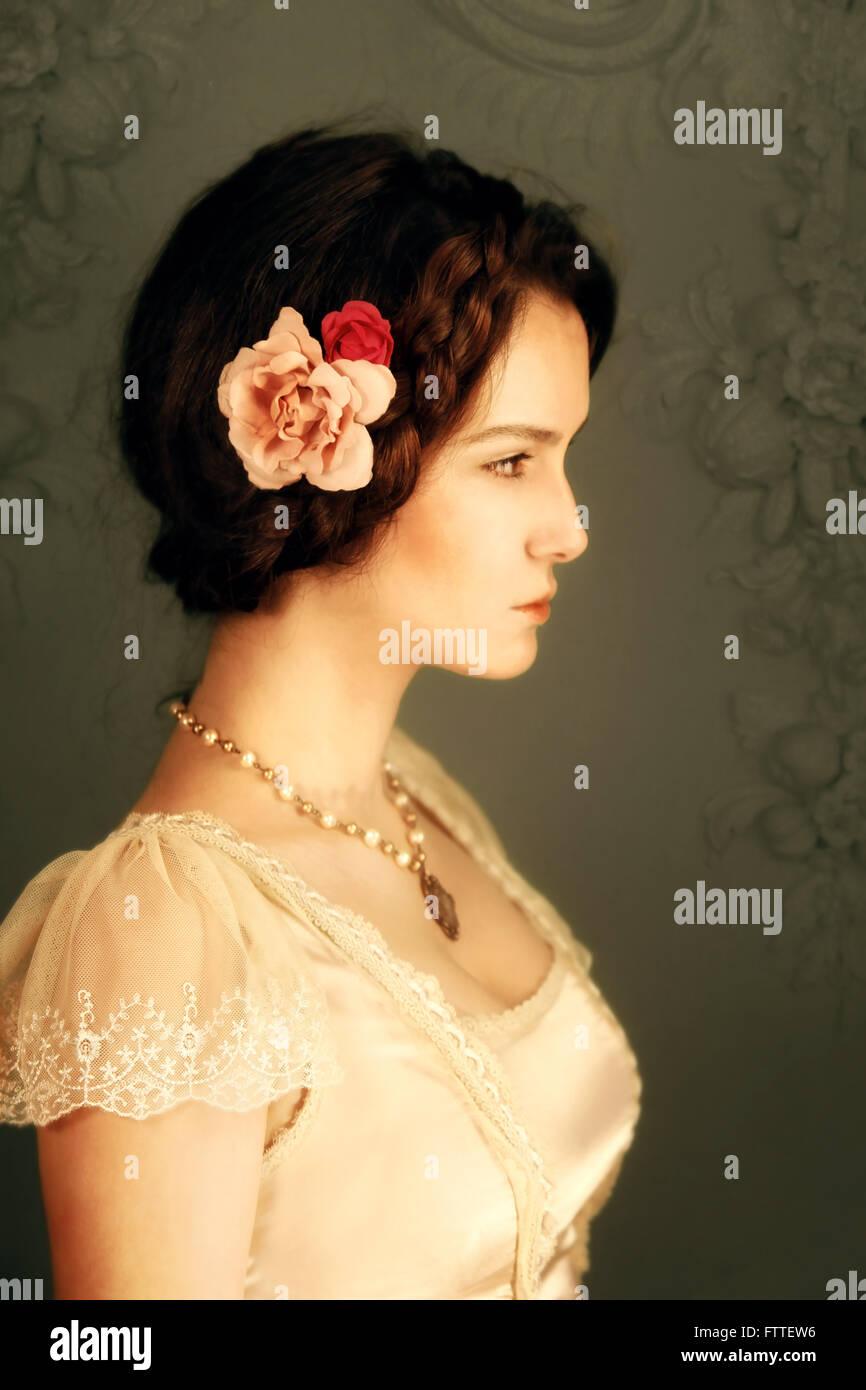 Joven mujer morena histórico Imagen De Stock