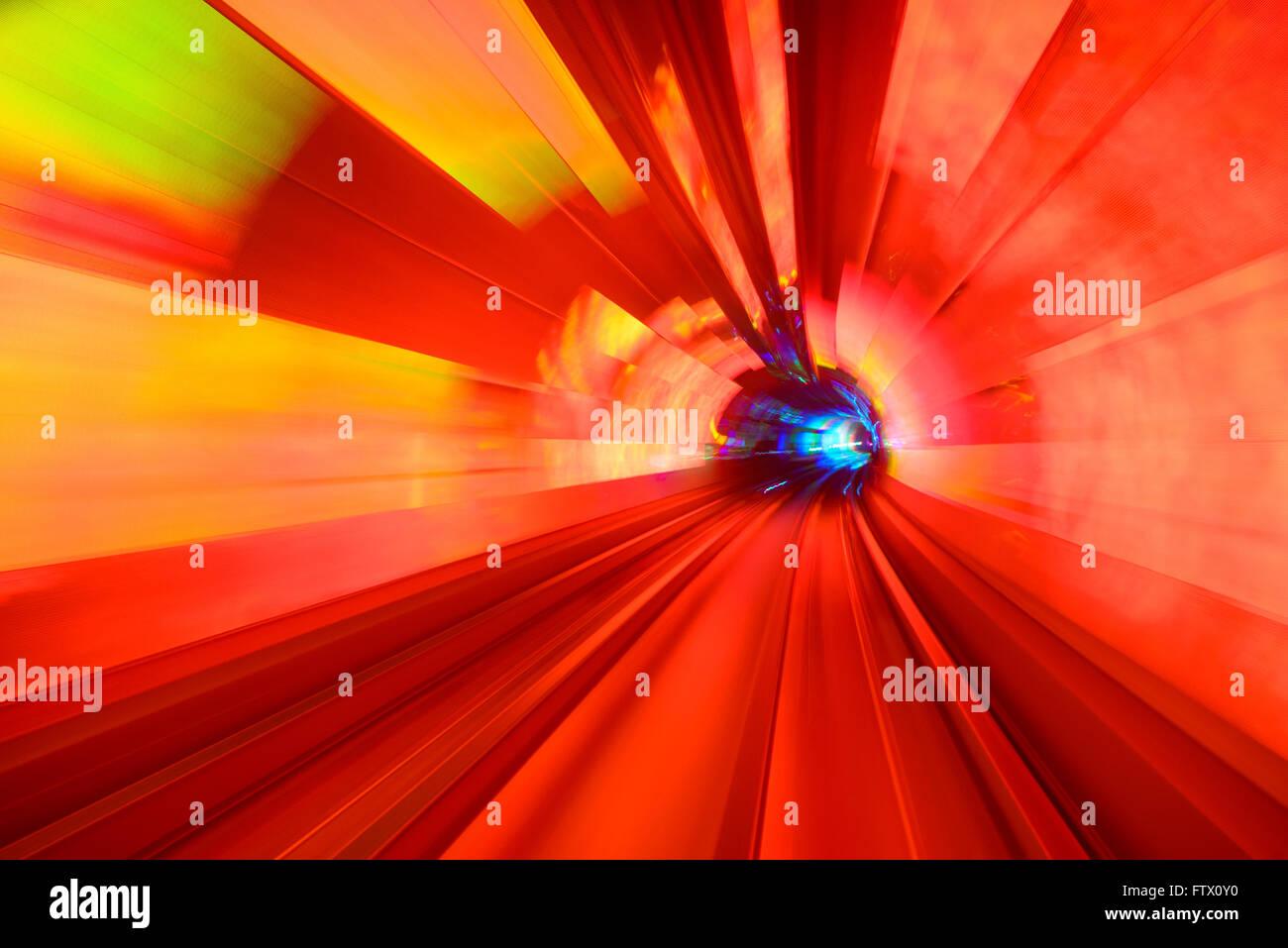 Desenfoque de movimiento en el túnel de Turismo de Shanghai. Imagen De Stock