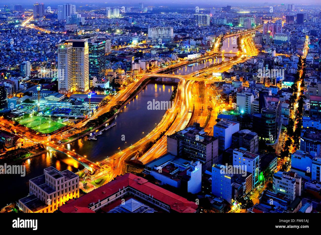 Vista aérea de la ciudad de Ho Chi Minh y el río Saigón, Ho Chi Minh, Vietnam Foto de stock