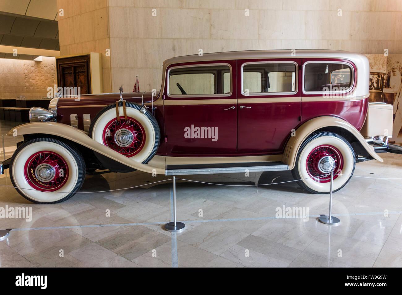1930 Buick 54 Veen un sedán de lujo, el Museo Nacional de Bahrein, Manama, Bahrein Imagen De Stock