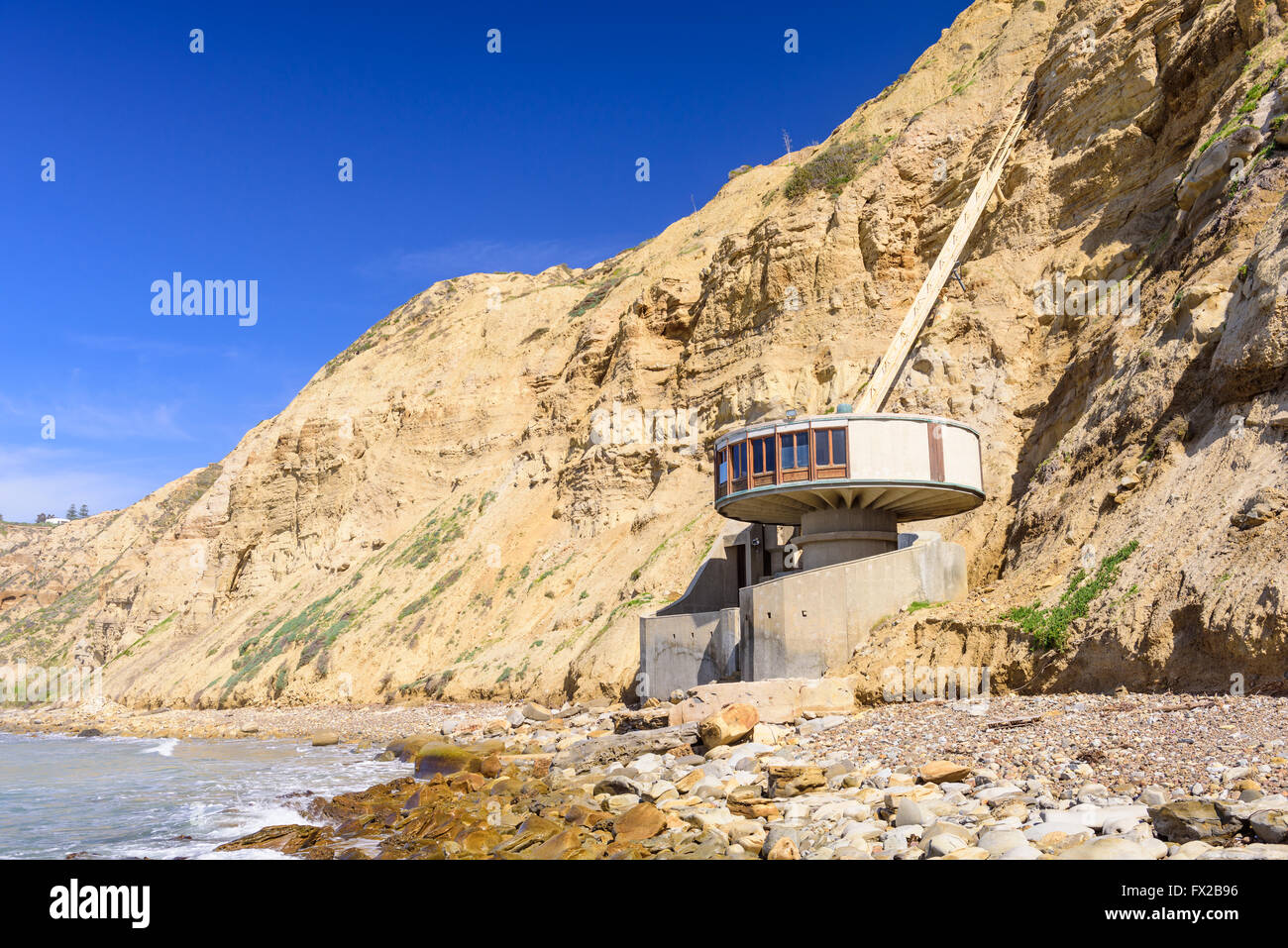 LA Jolla, California - 27 de febrero de 2016: La Casa de setas en Black's Beach. La casa data de 1968. Imagen De Stock