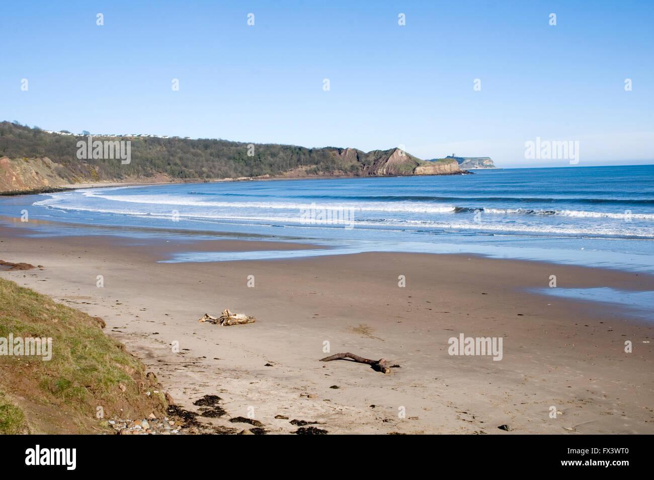 Bahía cayton Scarborough Playa Las playas de la costa de Yorkshire costa este paseo Imagen De Stock