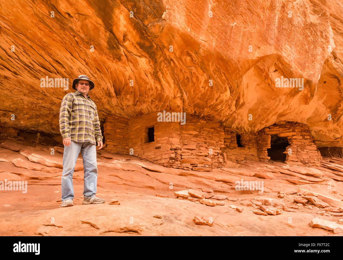Casa en el fuego, Puebloan acantilado vivienda en mula en Cedar Canyon Mesa, osos oídos Monumento Nacional, Imagen De Stock