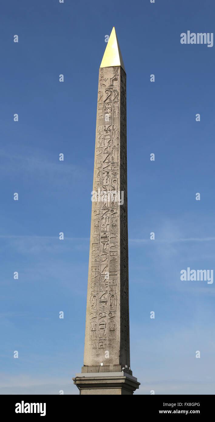 Obelisco de Luxor. Place de la Concorde. París. Francia. Originalmente ubicado en el Templo de Luxor, en Egipto. Imagen De Stock