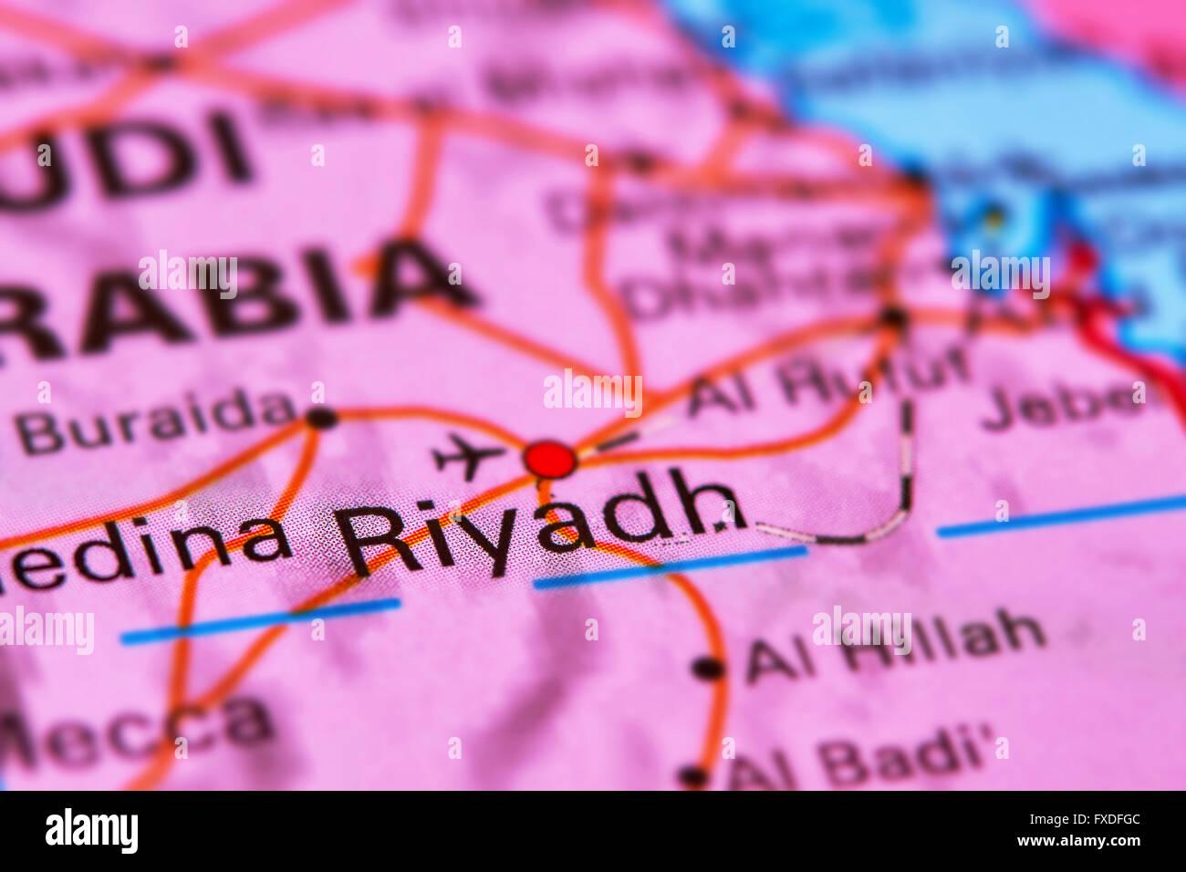 Riad, capital de Arabia Saudita en el Medio Oriente en el mapa del mundo Imagen De Stock