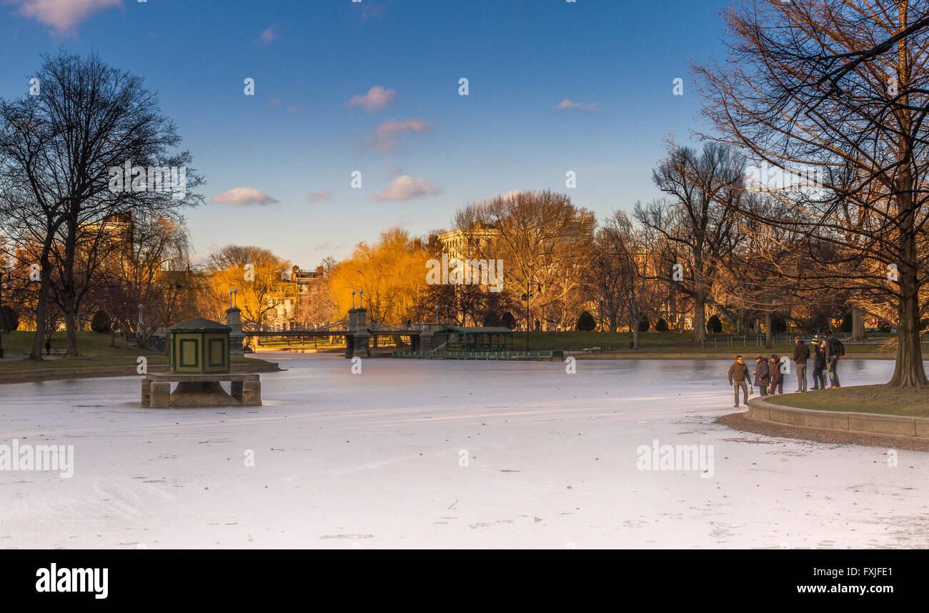 Boston Public Garden Lago en invierno Imagen De Stock
