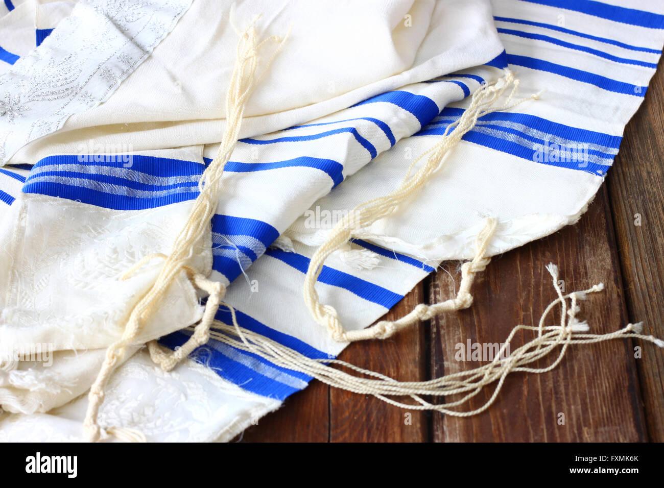 Mantón de oración Tallit símbolo religioso judío. Imagen De Stock