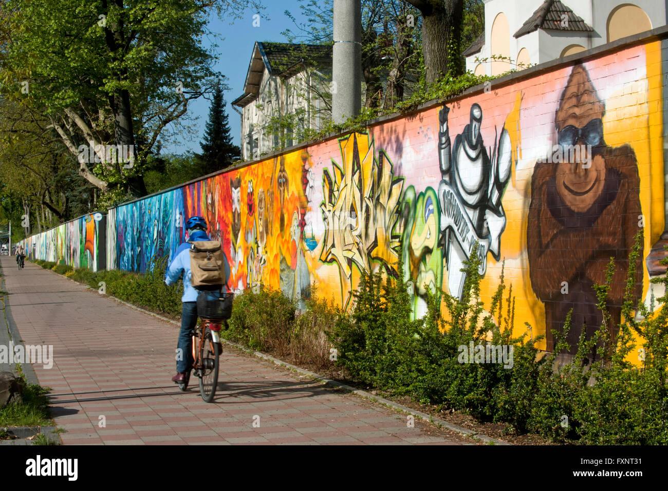 Deutschland, Köln, Riehl, Riehler Strasse, Zoo-ARTgerecht - gesprühte Kunst für den Kölner Zoo ein Wettbewerb im Abril 2011 vers Foto de stock