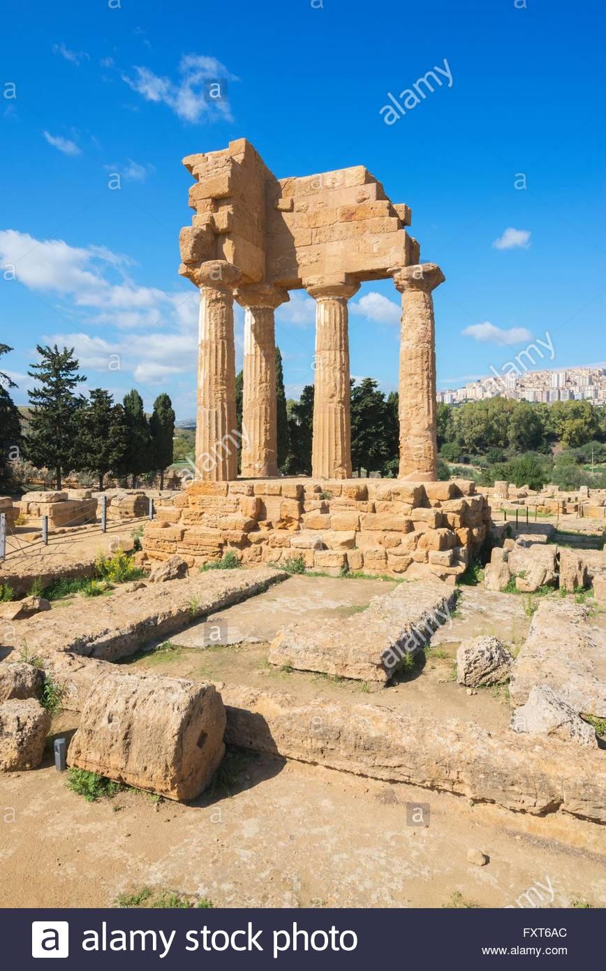 Templo de Castor, Valle de los templos, Agrigento, Sicilia, Italia Imagen De Stock