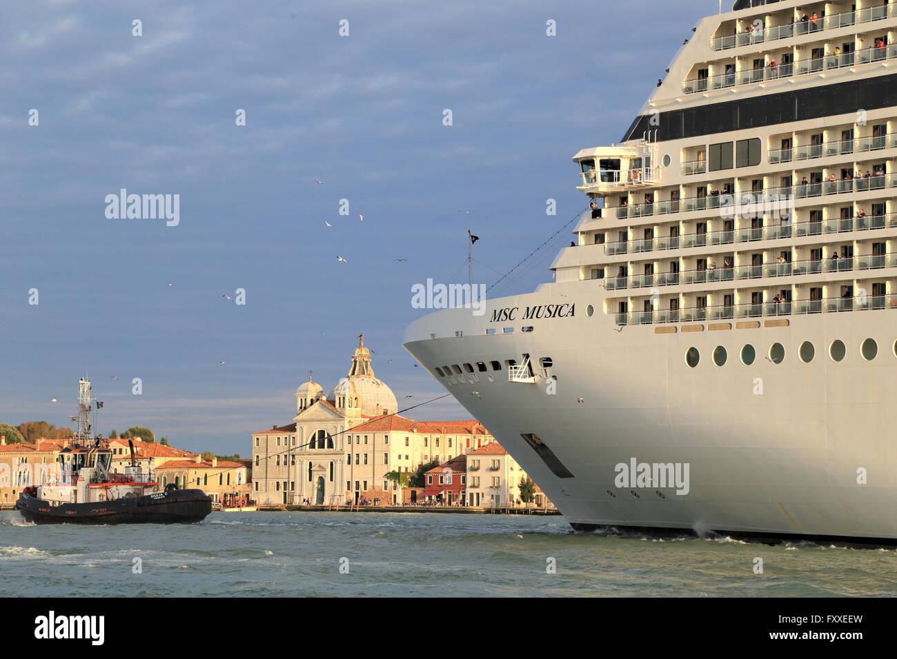 Buque de crucero MSC Musica, la OMI 9320087 Imagen De Stock