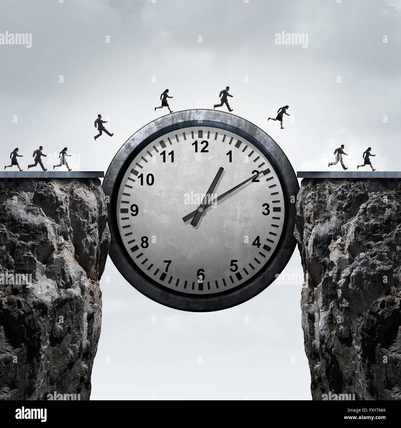 Concepto de tiempo de negocio como un grupo de empresarios y empresarias con un reloj gigante para cruzar un acantilado Imagen De Stock