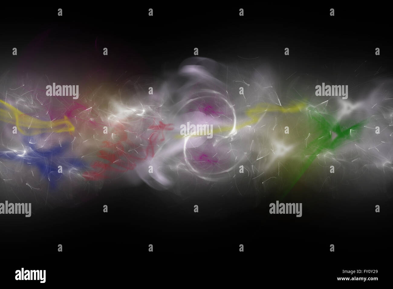 Compuesto de color de fondo desenfocado humo y luces en el fondo negro. Imagen De Stock