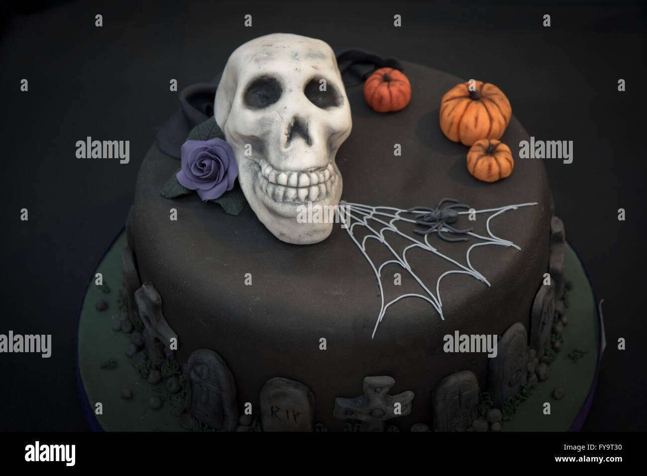 Pastel De Calabaza De Halloween Cráneo Negro Goth En Pastel