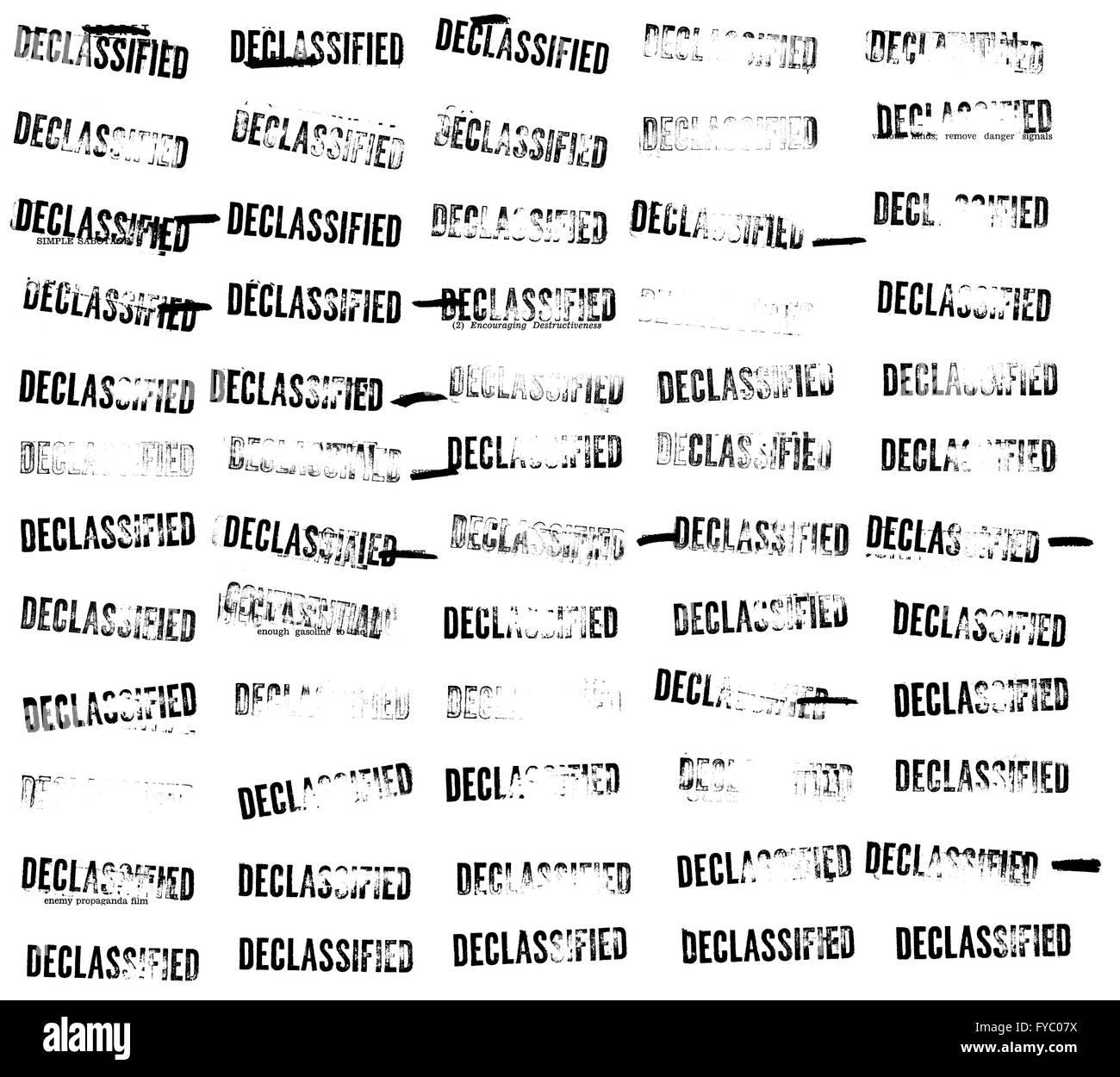 Sesenta (60) desclasificados sellos y censuras de una guerra fría oficial manual de sabotaje Imagen De Stock