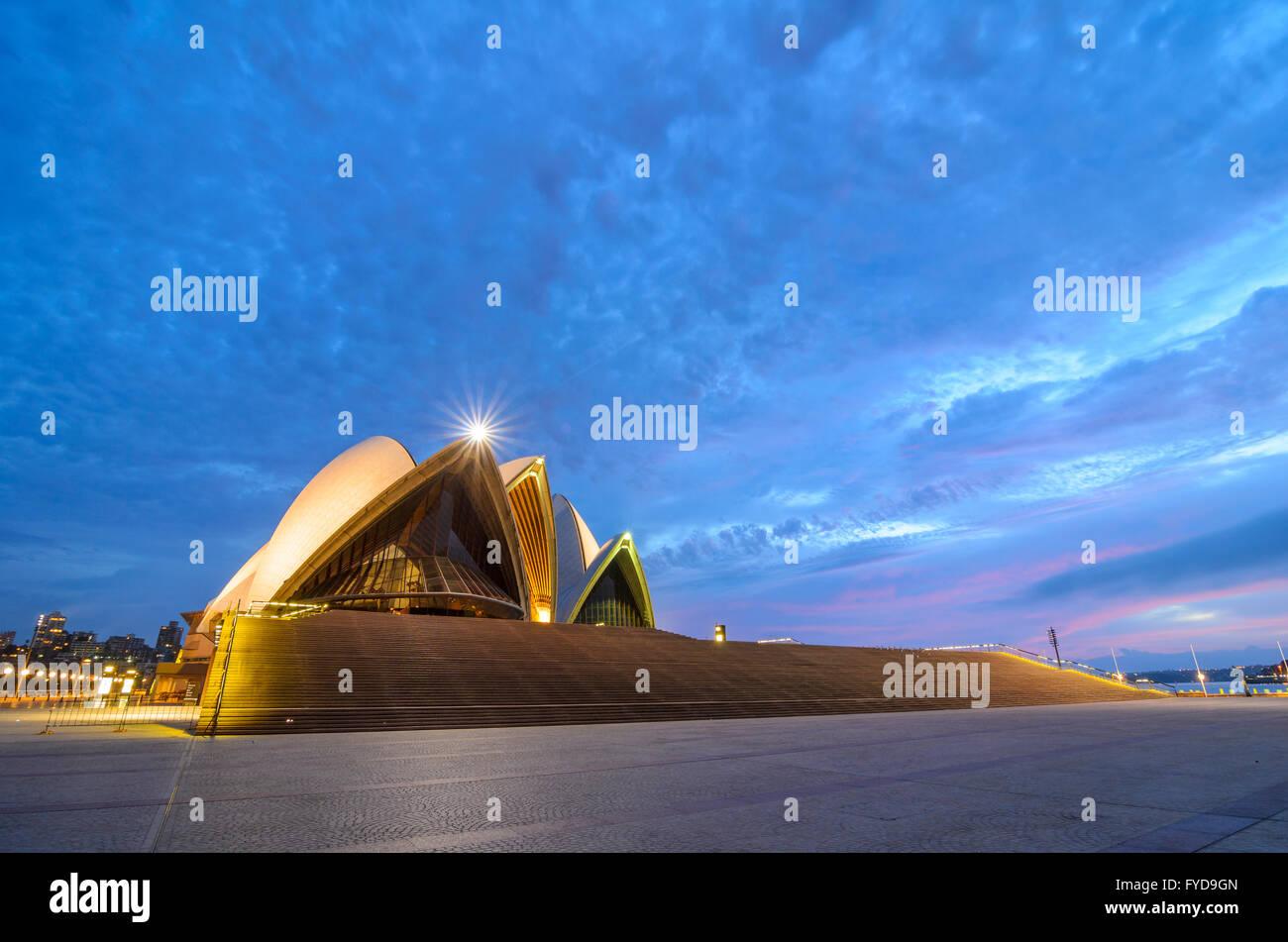 Amanecer en Sydney Opera House Imagen De Stock