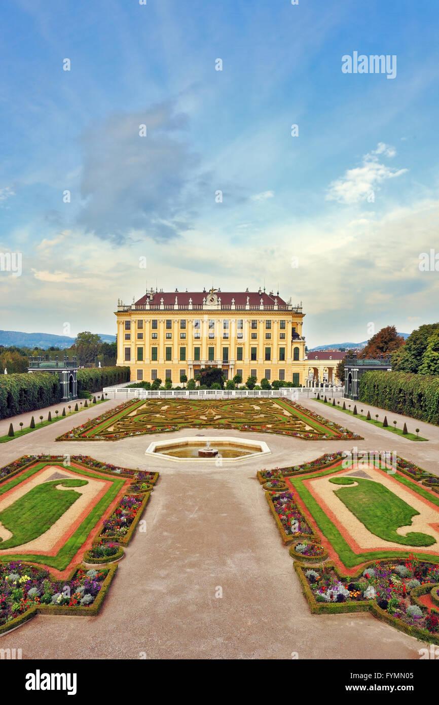 La residencia de verano de los Habsburgo austriacos. Imagen De Stock