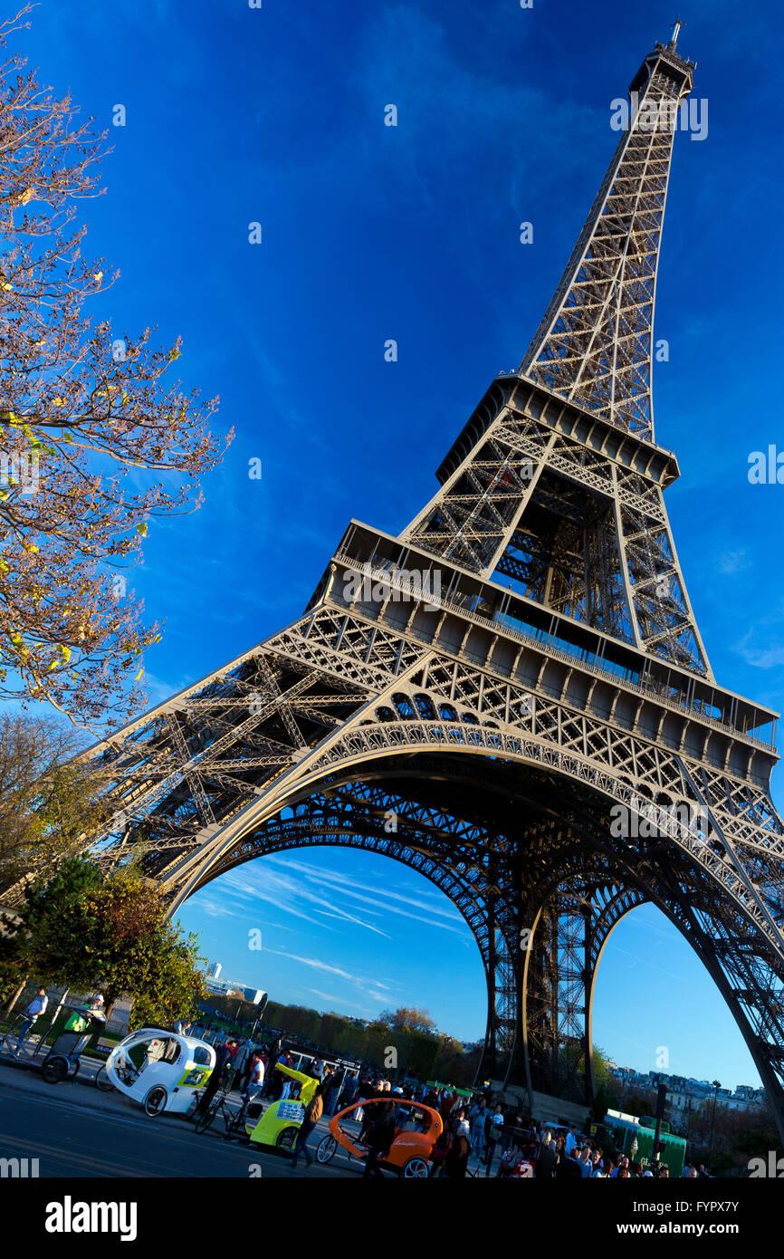 Torre Eiffel en otoño, París, Francia, Europa Foto de stock