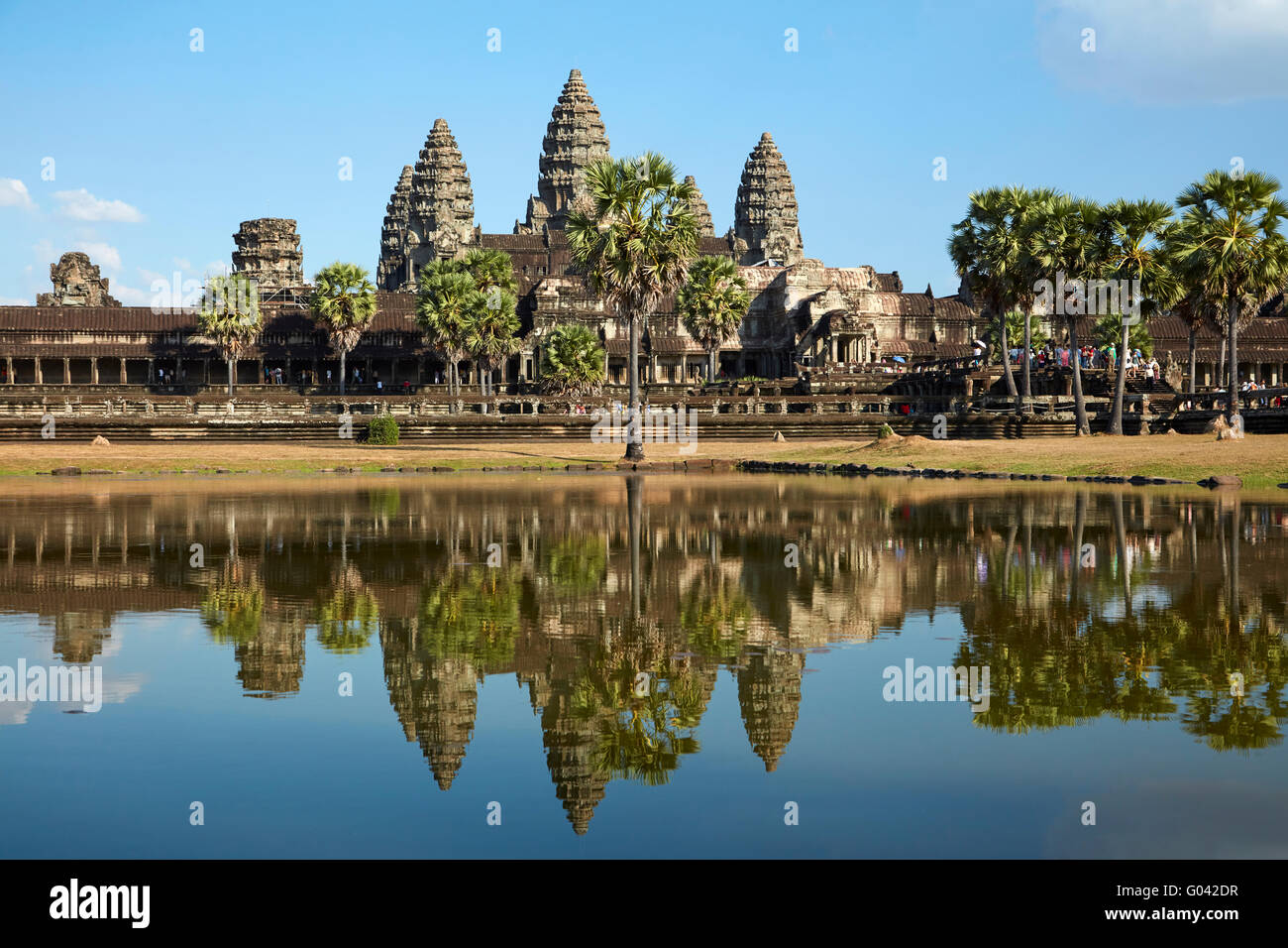 Complejo de templos de Angkor Wat (siglo XII), Sitio de Patrimonio Mundial de Angkor, Siem Reap, Camboya Foto de stock