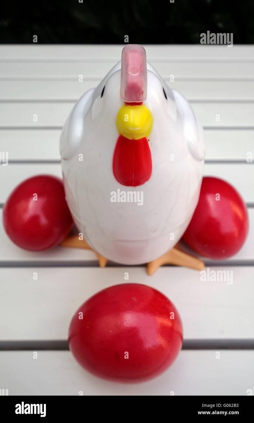 Las tradiciones. Griego rojo los huevos de Pascua. Imagen De Stock