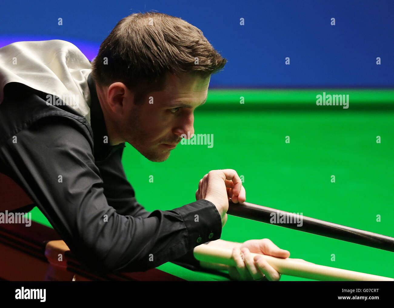 El crisol, Sheffield, Reino Unido. 30 abr, 2016. World Snooker Championship. Semifinales, Mark Selby frente a Marco Imagen De Stock