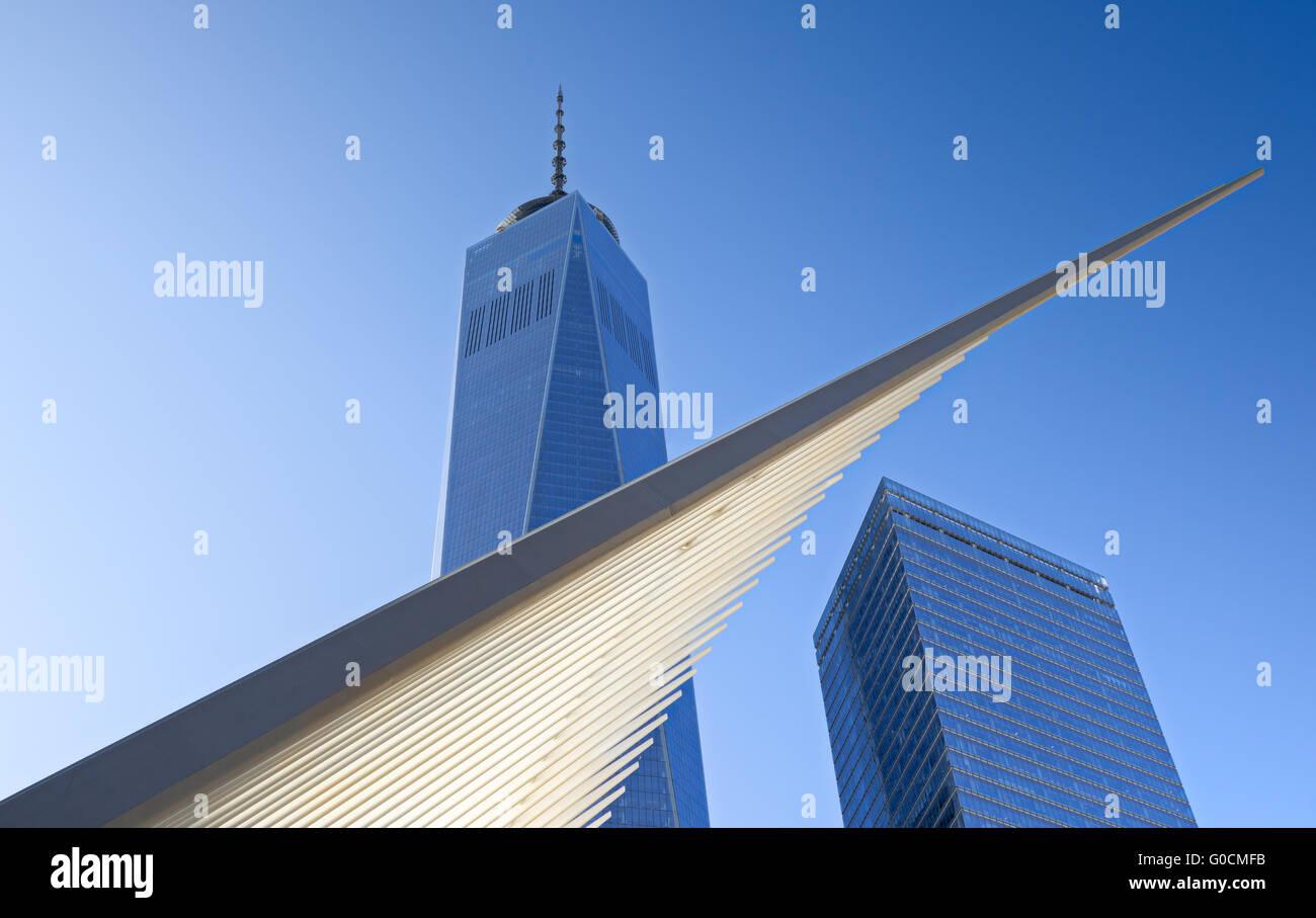 La nueva Autoridad Portuaria de Transportación spire por el arquitecto Santiago Calatrava con One World Trade Imagen De Stock