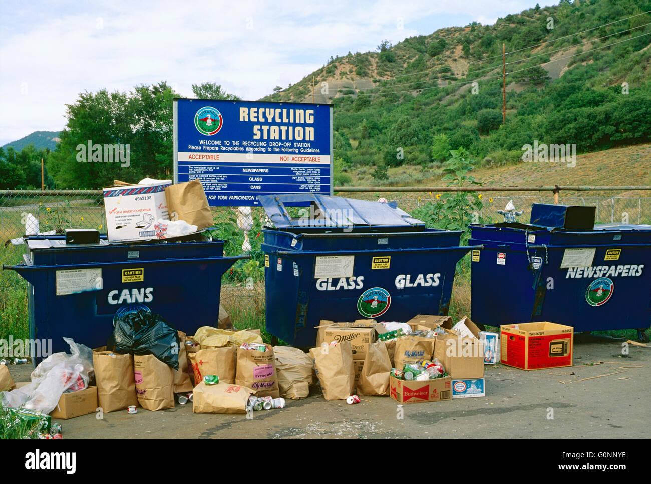 Estación de reciclaje del consumidor; Durango, Colorado, EE.UU. Imagen De Stock