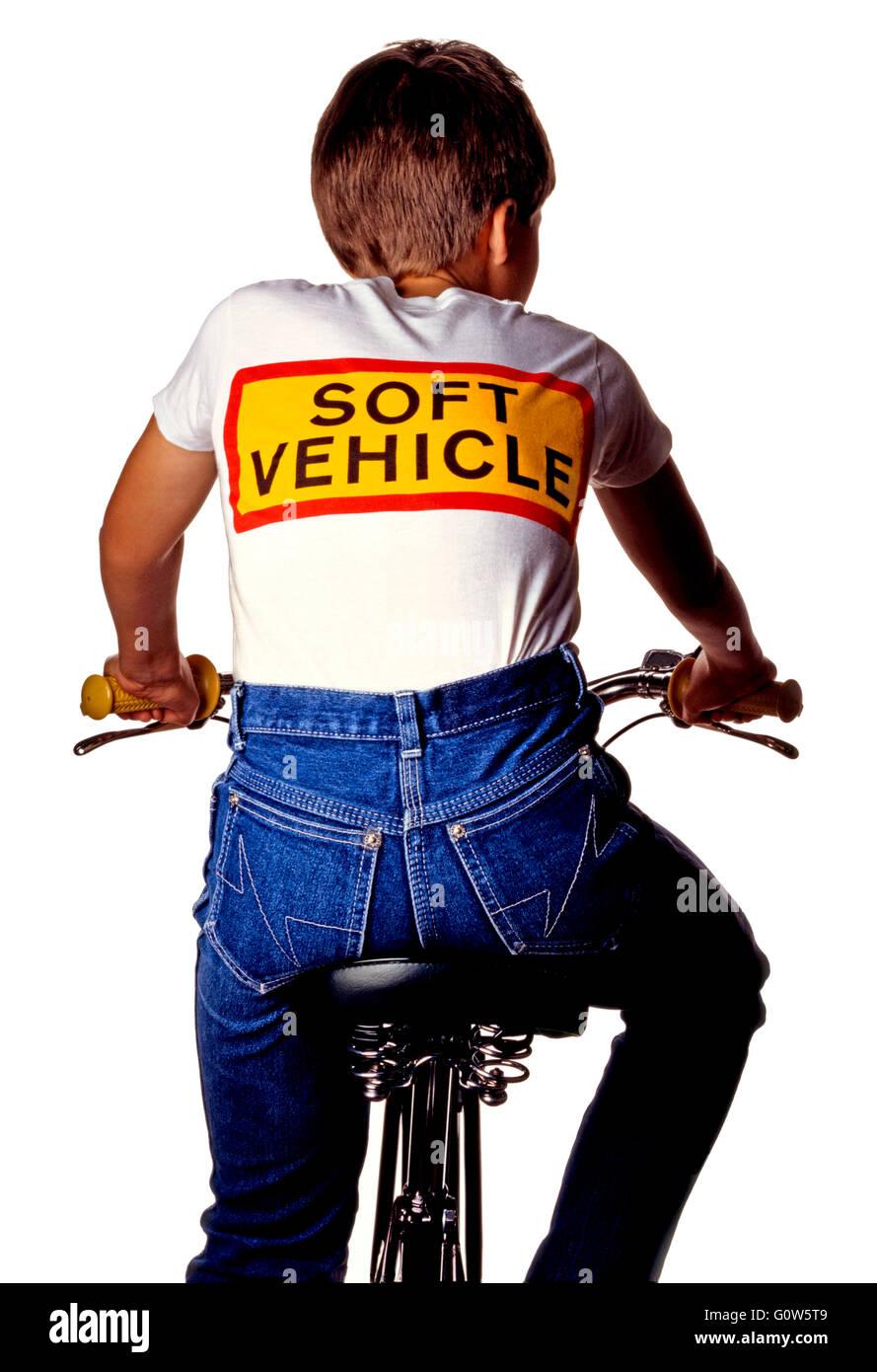 Vehículo suave BOY EN BICICLETA Imagen De Stock