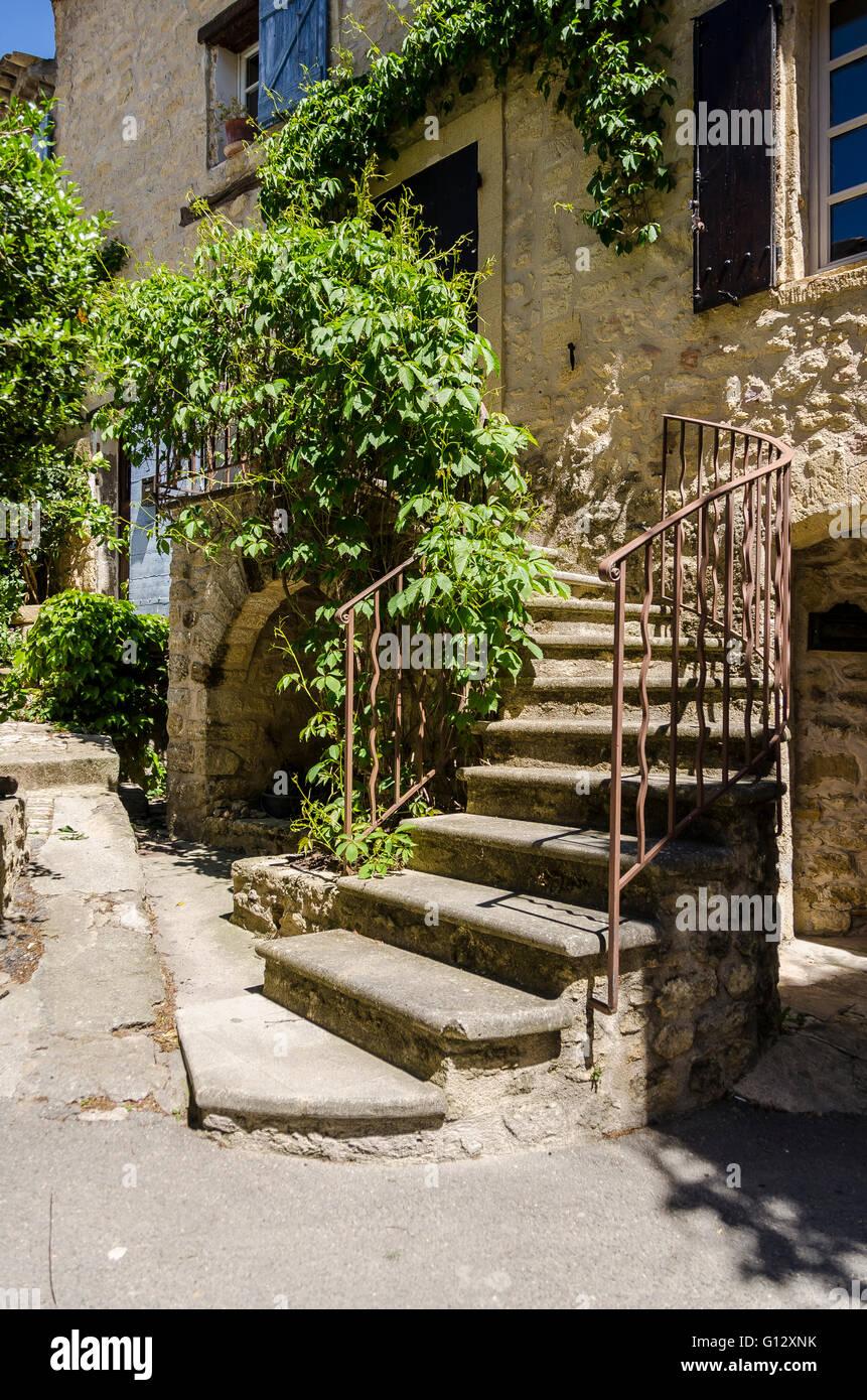 Escalier, Ansouis, Luberon, Vaucluse, Francia Foto de stock