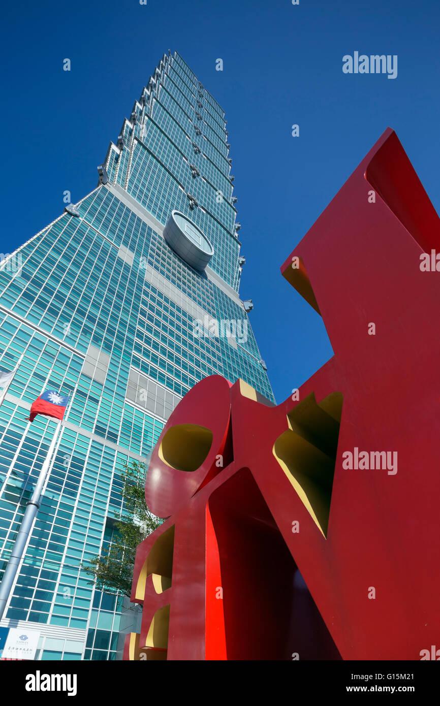 Edificio Taipei 101 y el amor estatua de Robert Indiana, Taipei, Taiwán, Asia Imagen De Stock